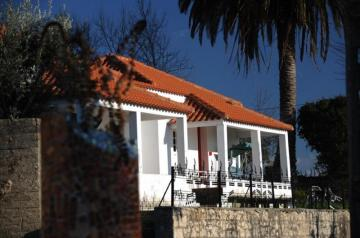 Holiday Rentals for rent in Vinha da Rainha, Portugal