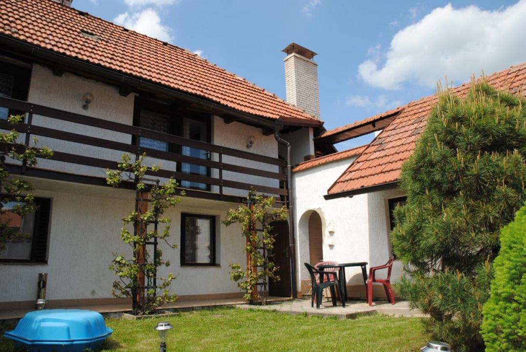 Holiday Rentals for rent in Mnetěš, Czech Republic