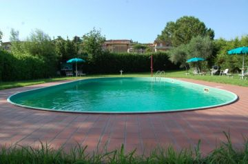 Holiday Rentals for rent in Tuoro sul Trasimeno, Italy