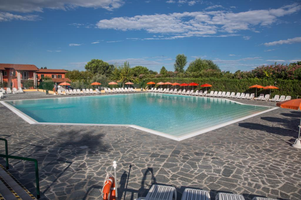 Holiday Rentals for rent in Sirmione, Italy