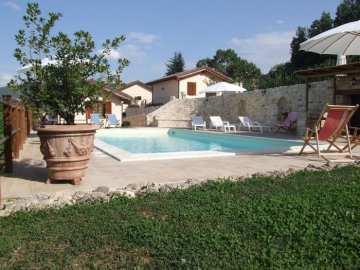 Holiday Rentals for rent in Sellano, Italy