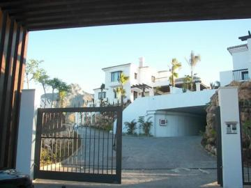Villa / luxury real estate for sale in Lomas de los Monteros Marbella Apartments, Spain