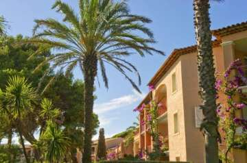 Holiday Rentals for rent in Hyères, France