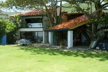 Villa / luxury real estate for sale in Florianópolis-Armação Pântano Sul, Brazil
