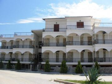 Boarding / Hotel Garni for sale in Nea Plagia, Greece