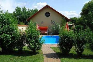 Holiday Rentals for rent in Siófok, Hungary