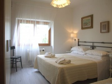 Holiday Rentals Sassetta for rent Italy