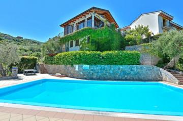 Holiday Rentals for rent in Gioiosa Marea, Italy