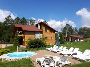 Holiday Rentals for rent in Vălisoara, Romania