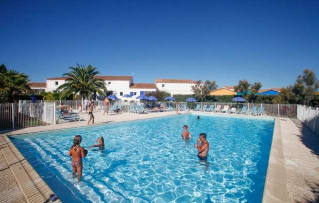 Holiday Rentals for rent in Chateau d Oleron, France