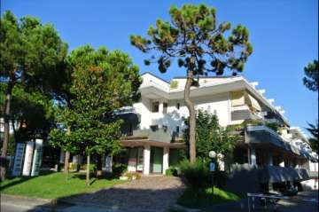 Holiday Rentals for rent in Lignano Pineta, Italy