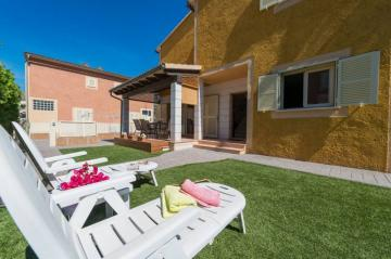 Holiday Rentals for rent in Port d Alcudia, Spain