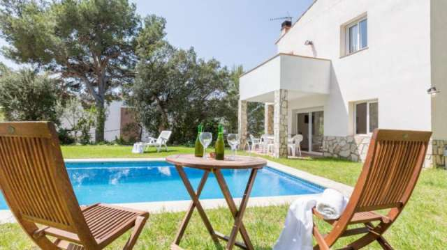 Holiday Rentals for rent in Tamariu, Spain