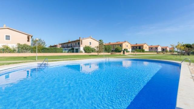 Holiday Rentals for rent in Pals, Spain