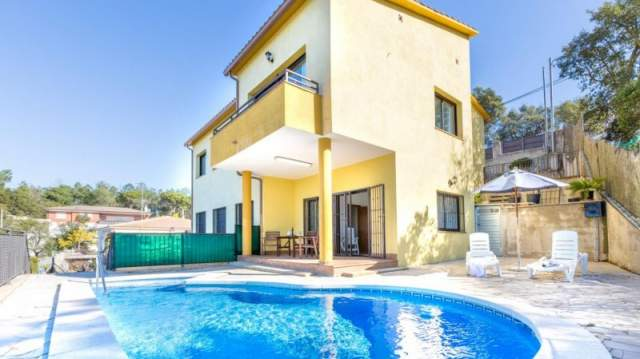 Holiday Rentals for rent in Lloret de Mar, Spain