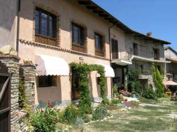 Houses / single family for sale in Marsaglia, Italy