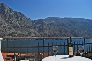 Apartments for sale in Kotor-Muo, Montenegro