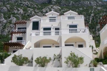 Apartments for sale in Dobrota-Dobrota, Montenegro