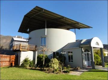 Villa / luxury real estate for sale in Montagu-Cape Winelands, South Africa