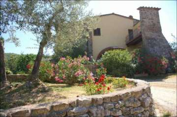 Boarding / Hotel Garni for sale in Pergine Valdarno-Arezzo, Italy