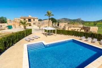 Holiday Rentals for rent in Llucmajor, Spain