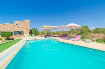 Holiday Rentals for rent in Ses Salines, Spain