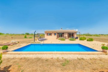 Holiday Rentals for rent in Felanitx, Spain