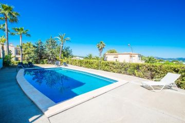 Holiday Rentals for rent in Calviá, Spain