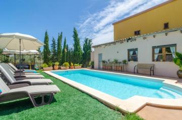 Holiday Rentals for rent in Manacor, Spain