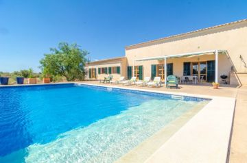 Holiday Rentals for rent in Porreres, Spain