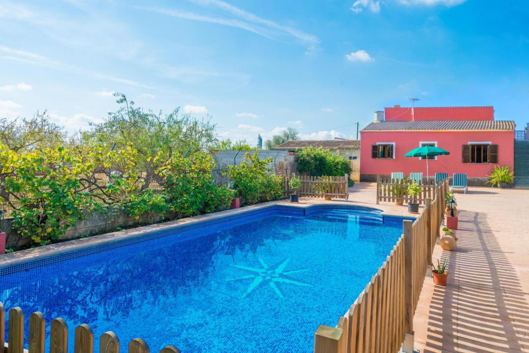 Holiday Rentals for rent in Lloseta, Spain