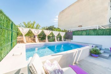 Holiday Rentals for rent in Binissalem , Spain