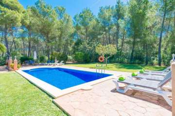 Holiday Rentals for rent in Santa Maria del Camí, Spain