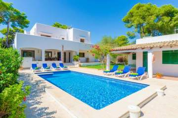 Holiday Rentals for rent in Cala d'Or, Spain