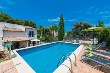 Holiday Rentals for rent in Cala Sant Vicenc, Spain