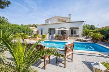 Holiday Rentals for rent in Cala Pi, Spain