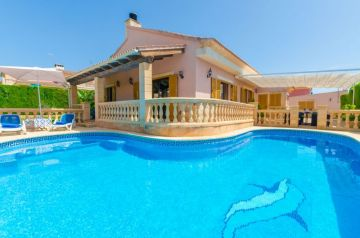 Holiday Rentals for rent in Badia Gran, Spain