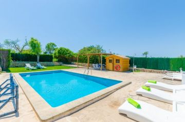 Holiday Rentals for rent in Son Macia, Spain