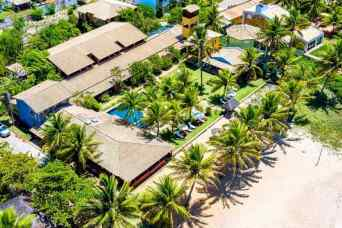 Beachfront Hotel with Restaurant and 26 Suites in Bahia, ROI 13 %, 42823-000 Itacimirim, Brazil