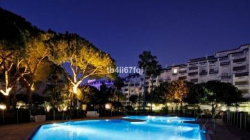 Apartments for sale in Playa Puerto Banús, Spain