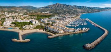 Company, Commercial object for sale in Puerto Banús, Spain