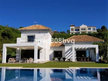 Villa / luxury real estate for sale in Benahavís, Spain