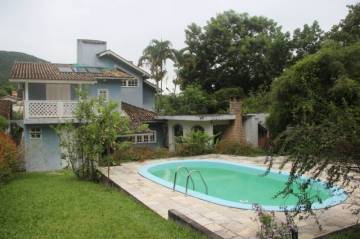 BEAUTIFUL PRIVATE HOME IN FLORIANOPOLIS WITH 3 BEDROOMS AND LARGE SWIMMING POOL, 294 M² LIVING SPACE, 88050-415 Florianopolis, Brasilien