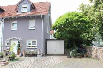 Double / Terraced houses for sale in Schöneck-Büdesheim, Germany