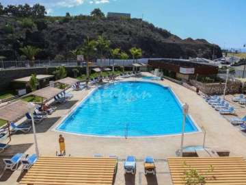Apartments for sale in Montefrío, Spain