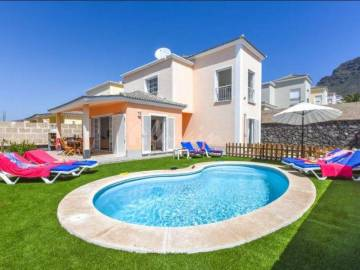 Villa / luxury real estate for sale in Fanabe, Spain