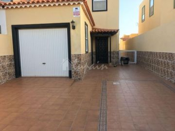 Houses / single family for sale in Las Rosas, Spain