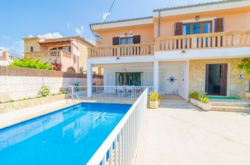 Holiday Rentals for rent in Cala Millor, Spain