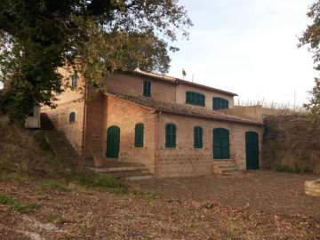 Villa / luxury real estate for sale in Nähe Senigallia, Italy