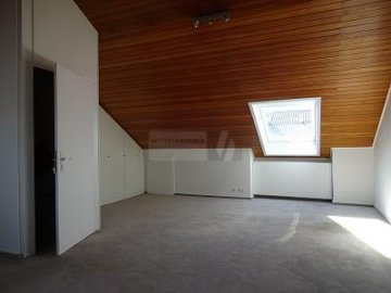 IDEAL FÜR PENDLER - APPARTEMENT IN ST-MÖHRINGEN, 70567 Stuttgart Möhringen, Germany
